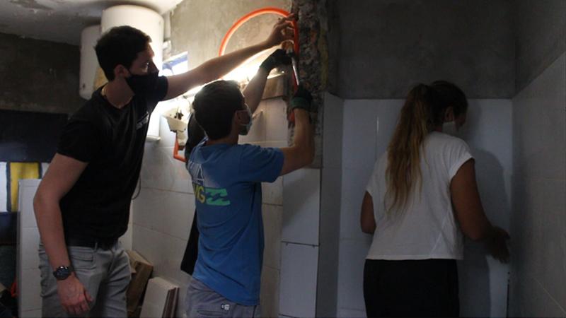 Estudiantes de Arquitectura de ORT realizaron prácticas de obra en Auriblanco Basket Club