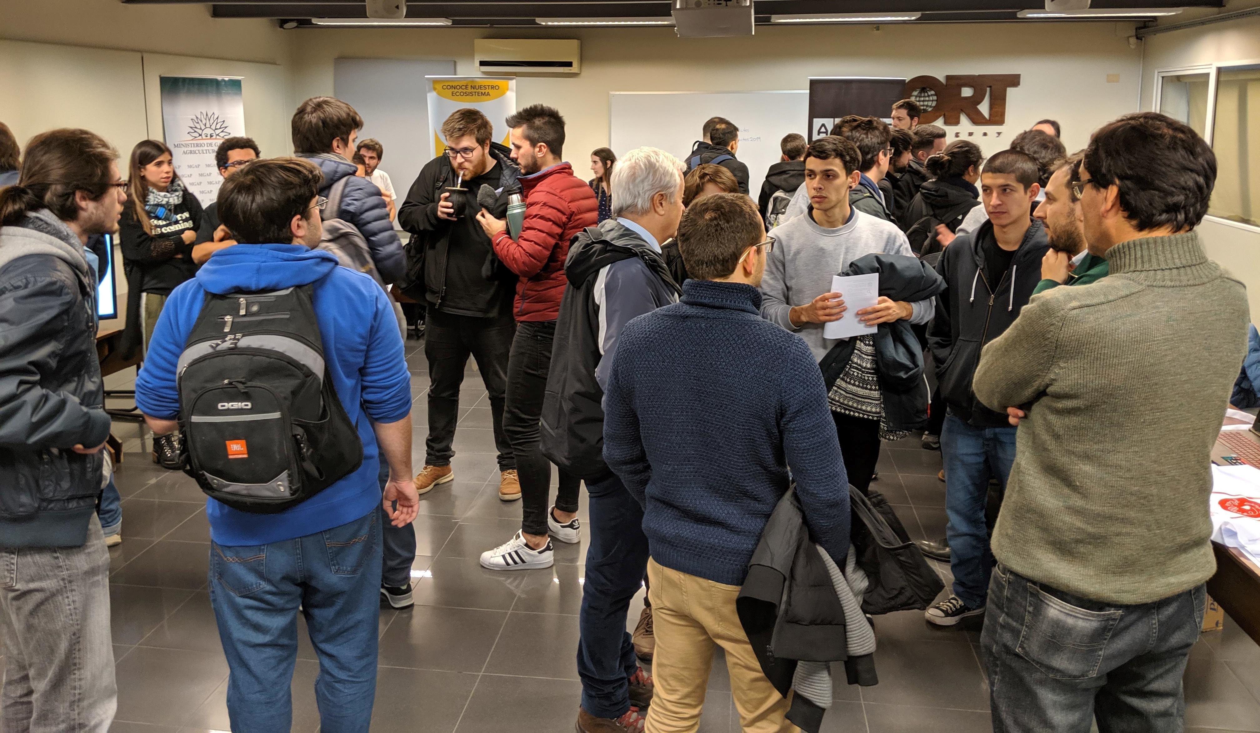 Feria de proyectos en la Facultad de Ingeniería
