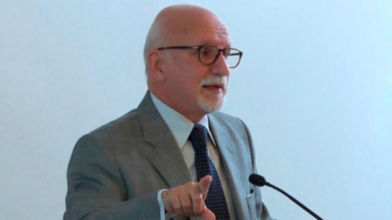 Conferencia por el embajador Guillermo Valles