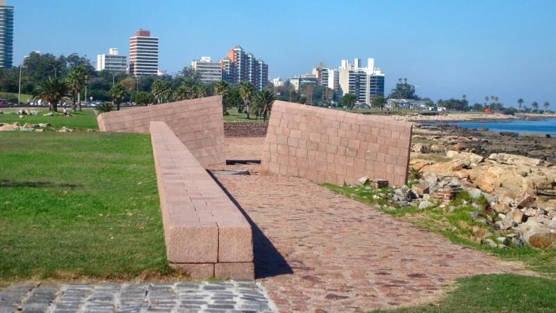 *Memorial al Holocausto del Pueblo Judío*