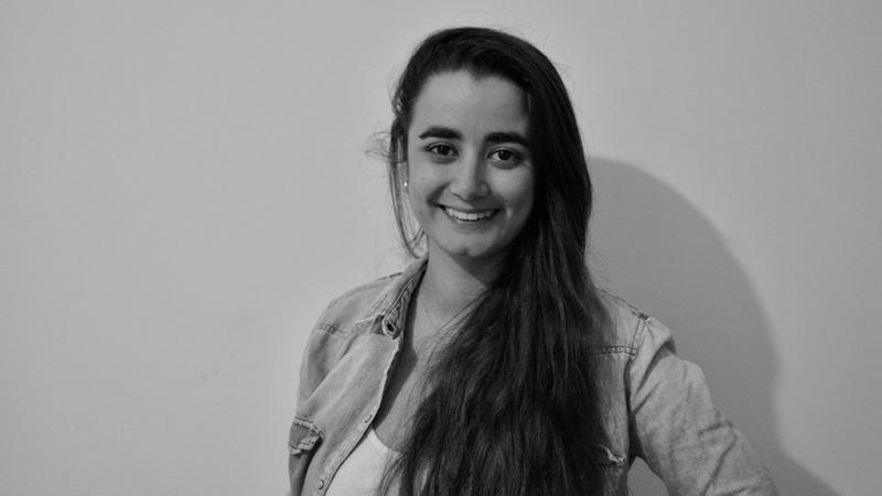 Fátima Albornoz graduada de Ingeniería en Telecomunicaciones