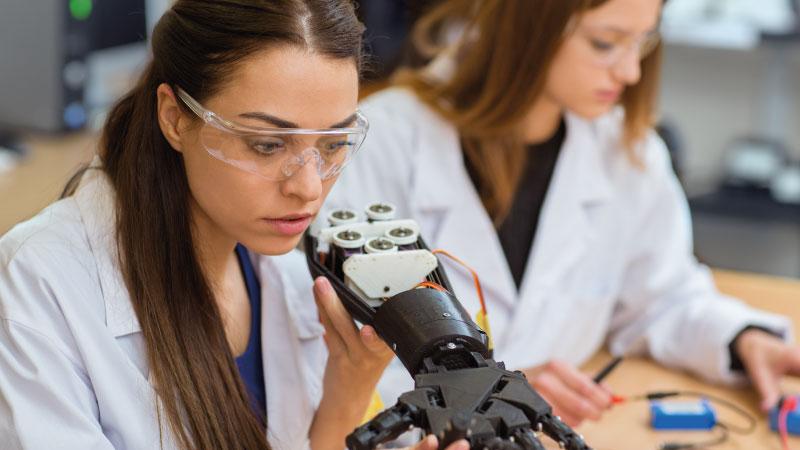 Jóvenes en ciencia y en tecnología