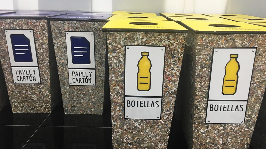 reciclaje-de-papel-y-botellas-de-plastico-en-la-universidad-ort-uruguay.jpg